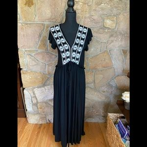Exist NWT black maxi dress